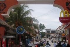 2004-12-27_aida_cozumel_cancun_032